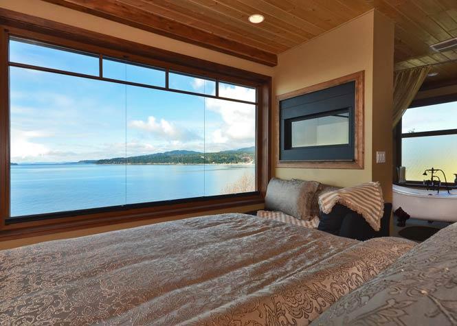 Beach Hideaway Accommodations: The Sea to Sky Loft